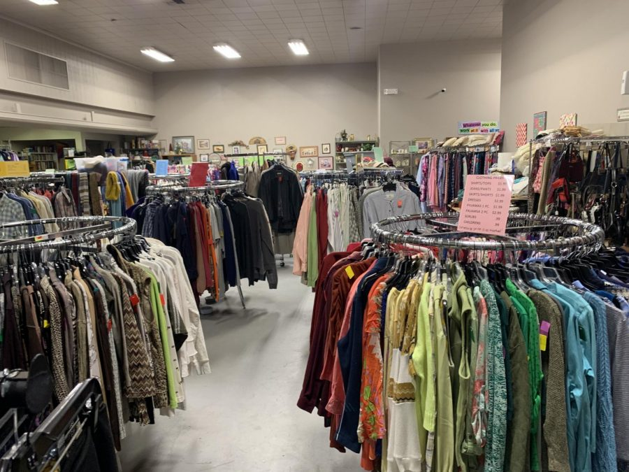 Catholic+Charities+has+a+thrift+store+in+Salina+that+utilizes+volunteers.